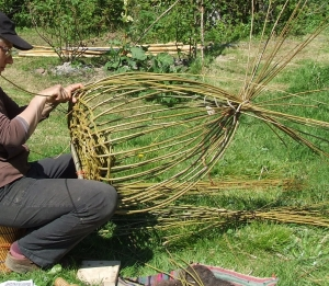 Perched on and controlled by the knees, weaving commences